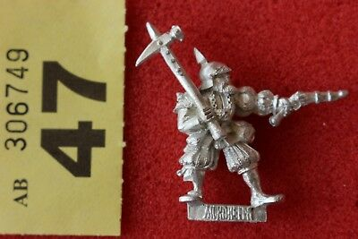 Games Workshop Warhammer Mordheim Averlanders with Hammer Metal Figure OOP Mint