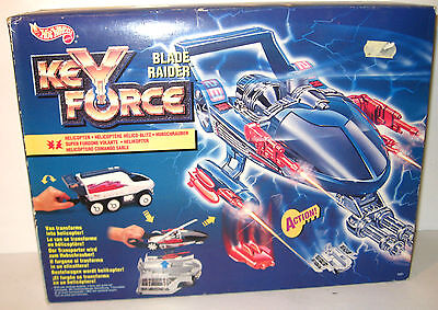 KEY FORCE Blade Raider Transporter / Hubschrauber HOT WHEELS Neu (WR4)