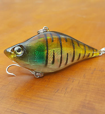 6cm fishing lures Bream Barra Trout Redfin Perch Flathead lipless crankbait