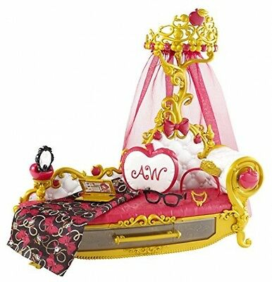 Ever After High Apple Fainting Couch Playset (White)