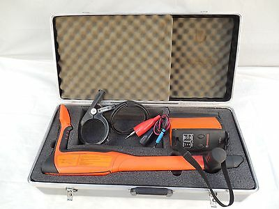 Metrotech 810DX Locator and Transmitter Cable Pipe Locator Clean