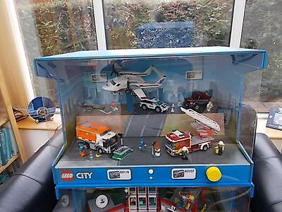 Lego city display case featuring sets 60118 60116 60107 for Case lego city