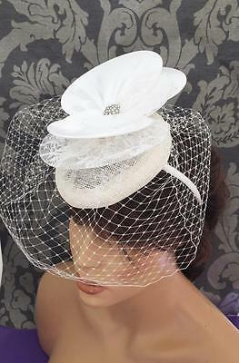 Vintage 50's Inspired Ivory Fascinator Hatinator Satin Lace Net Pill Box Style