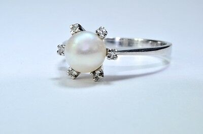14ct white gold freshwater pearl & diamond cluster ring size N 1/2