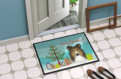 Christmas Tree and Sheltie Indoor or Outdoor Mat 18x27