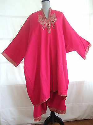 Vintage Traditional Afghan woman's 2-piece outfit – pink, metallic embroidery