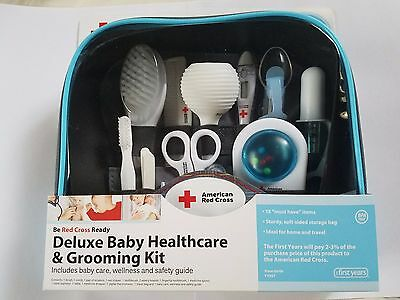 The First Years American Red Cross Baby Healthcare And Grooming Kit Y7057B3
