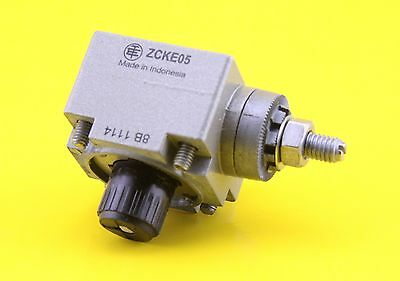 Schneider ZCKE05 Metal Limit Switch Head for use with XC Series  - 064625