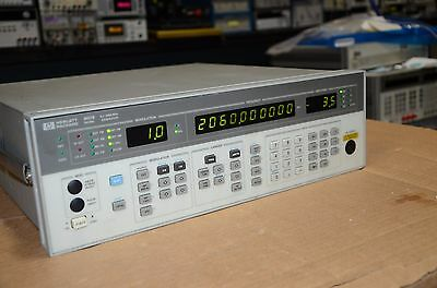 HP Agilent Signal Generator Option 002 8657B 8657 Tested
