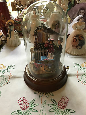 """GONE WITH THE WIND """"Bonnie Blue Promenade"""" Domed Music Box Figurine"""