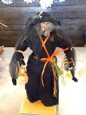 Lynn Haney Collection Halloween  Witch Gertie The Good 1595 Dated 2005 Signed