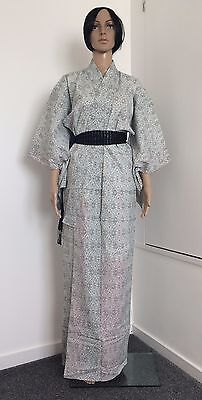 Authentic handmade Japanese women's kimono, amazing condition, flowers (F294)