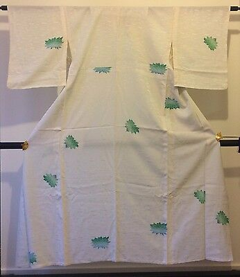 Authentic Japanese women's white silk kimono, good condition (F302)