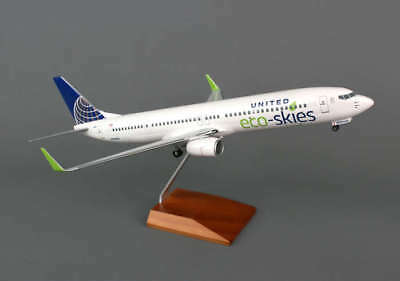 """Airplane United Airlines Boeing B737-900ER Eco Skies  12.63""""  Model Aircraft"""