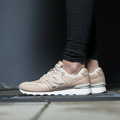 Chaussures Femmes Sneakers New Balance [Wr996Jt]