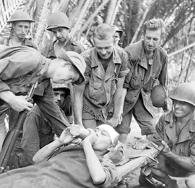 WW2 Photo WWII Wounded Soldier New Guinea Australia World War Two /1438