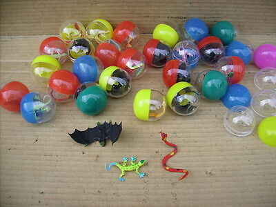 """2"""" Filled Capsule With Bat,snake & Lizard X 30"""