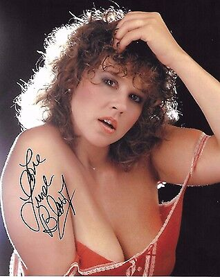 Linda Blair Signed 8x10 Photo - STAR of The Exorcist, HELL NIGHT - SEXY!!! H341