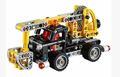 LEGO Technic 42031 : Cherry Picker _ NIB_no box_In only contents