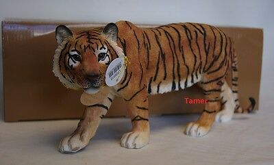 Large Standing Tiger Ornament Figure By Leonardo Brand New in Box