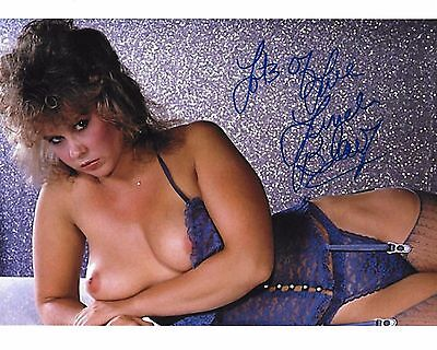 Linda Blair Signed 8x10 NUDE Photo - STAR OF THE EXORCIST - TOPLESS!!! -  H380