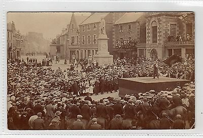 FLAG WAVING ON THE SQUARE, SELKIRK: Selkirkshire postcard (C6569).