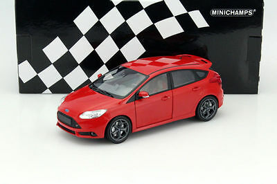 1/18 Minichamps  2011  Ford  Focus ST Red Limited Edition  110082002