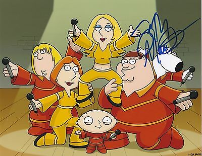 Seth Mcfarlane Signed Family Guy Stewie 8X10 Photo D Showstuff