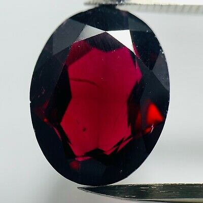 Echter Roter Rhodolith Oval 5.45ct 13.2x10.2mm