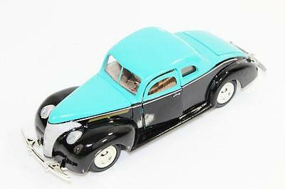 1:24 Diecast 1940 Ford Coupe Hot Rod Licensed Model Die Cast Car From MotorMax