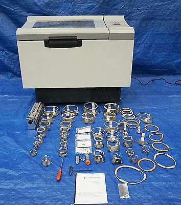 New Brunswick Scientific Excella E25 Incubator Shaker