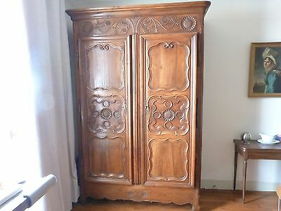 armoire de mariage louis xv epoque xviiieme noyer. Black Bedroom Furniture Sets. Home Design Ideas