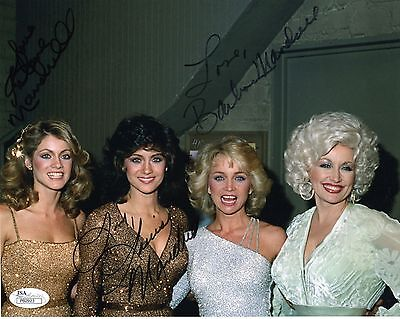 MANDRELL SISTERS HAND SIGNED 8x10 COLOR PHOTO     RARE POSE+DOLLY PARTON     JSA