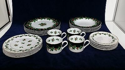 Waverly HOLIDAY BOUQUET Holly Berries 20 Piece Set Service for 4