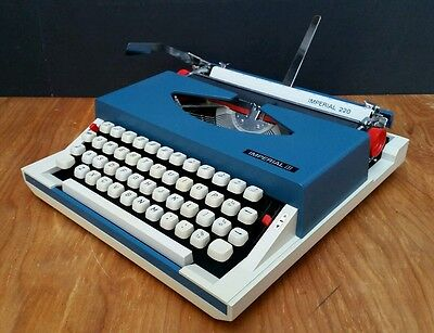 SERVICED & WORKING Imperial 220 Typewriter Vintage 1960s 1970s Portable & Case • EUR 109,16