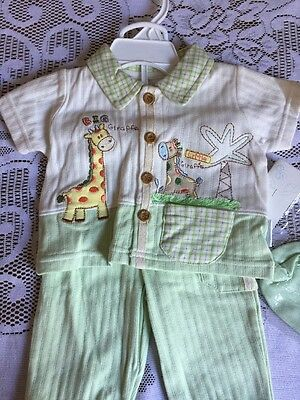 NWT Petite Giraffe Summer Outfit Pajamas Size 0-3 Months