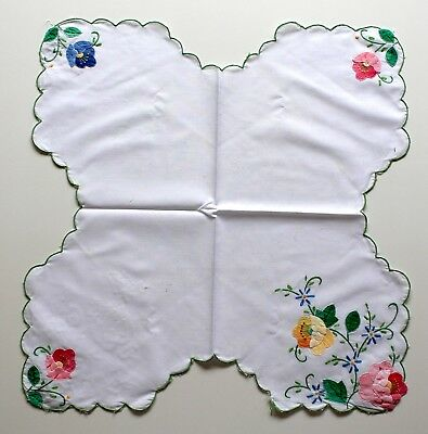 AppliquedDoily Flowers Cross Shaped With Embroidered Foliage On White Linen