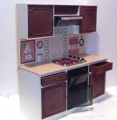 1980's SINDY DOLL's KITCHEN SET ~ BATTERY OPERATED - 29 x 33 cm