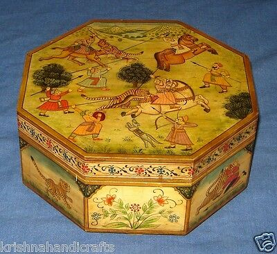 Vintage Look Fine Hand Painted Hunting Subject Solid Camel Bone Oct-Angle Box