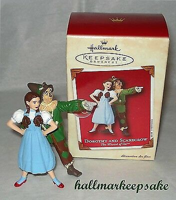 2002 Hallmark Keepsake Ornament The Wizard Of Oz Dorothy And Scarecrow