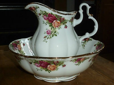 Royal Albert Old Country Roses Jug and water bowl set - stamped 1962 xxx