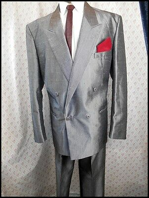 """Vintage 1980s 2-Piece Silver Grey Double Breasted Poly Wool Suit 42"""" Chest L 32W"""