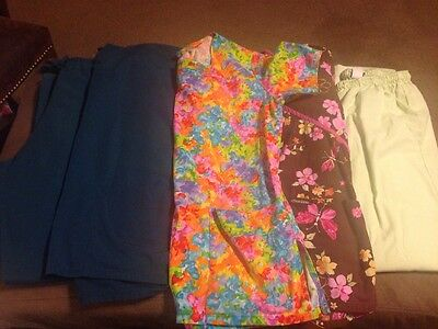 Lot Of Scrubs Two Pants Three Tops Size Medium