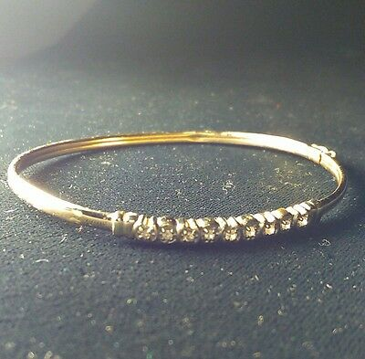 Estate Solid 10Kt Gold & Diamond Bangle Bracelet 7 Inches And 4.4 Grams .25Ct Tw