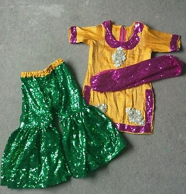 Pakistani / Indian girls mehndi suit
