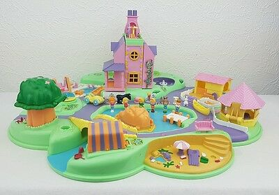 Polly Pocket Dream World Playset 14 Dolls - Accessories  excellent condition