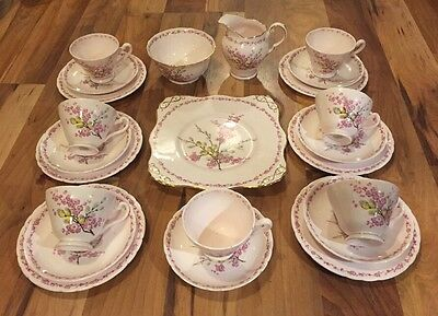 Stunning Tuscan China 23Pc Teaset