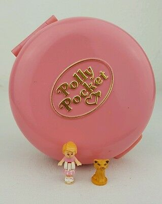 Vintage Bluebird Polly Pocket Buttons animal hospital compact 1989 Figures