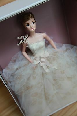 Vera Wang Bride: The Traditionalist 2011 Barbie Doll