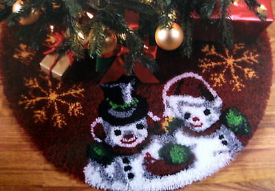 "Christmas Latch Hook Rug Kit ""vintage Snowman Tree Skirt"